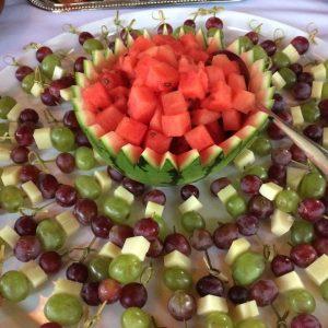 spiesjes watermeloen en druif met pecorino